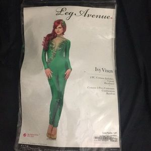 Leg Avenue Ivy Vixen costume